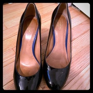 Coach timeless pumps!